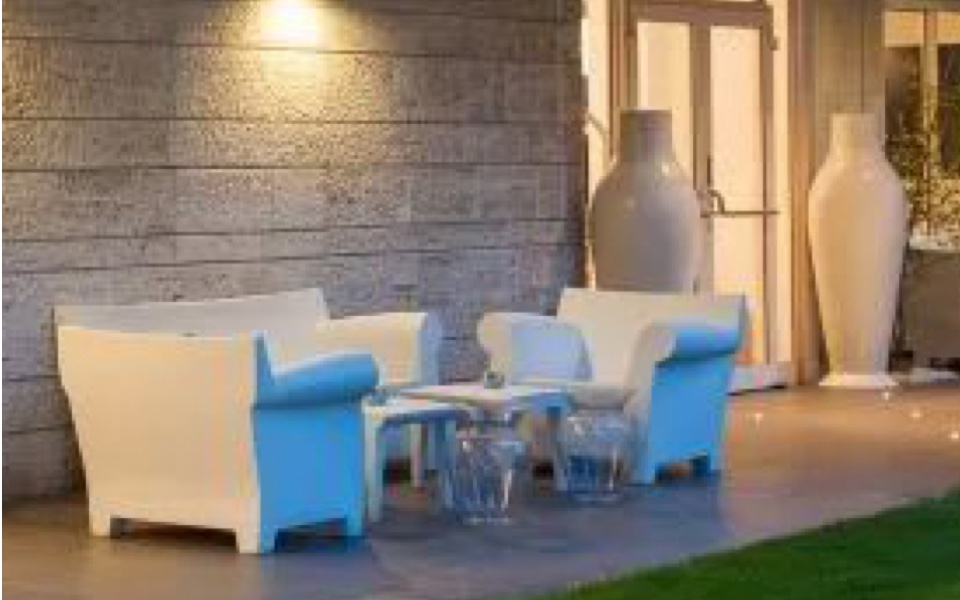 Tavolino jolly di kartell bianco rental design