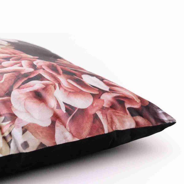 cuscino floreale fotorealistico nero a noleggio dettaglio