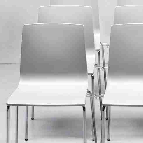 noleggio sedia per eventi alice con gancio di collegamento rental design