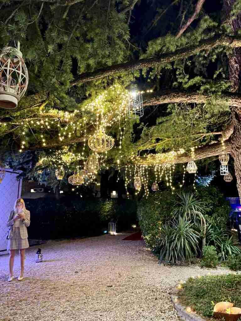 noleggio arredi lanterne luci piante e allestimento arredi evento lancio outdoor STM Hats @Villa a Sesta Polo Club - Rental Design