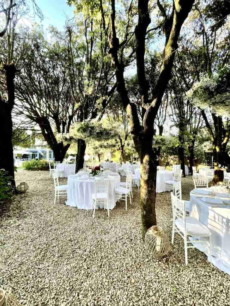 noleggio piante, tavoli, sedie, arredi, piatti, bicchieri evento lancio outdoor STM Hats @Villa a Sesta Polo Club - Rental Design giorno 4